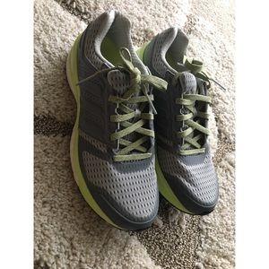 le adidas impulso sequenza donne scarpe poshmark